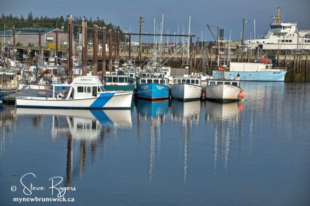 Fishing Boats Grand Manan ©SJR_8126