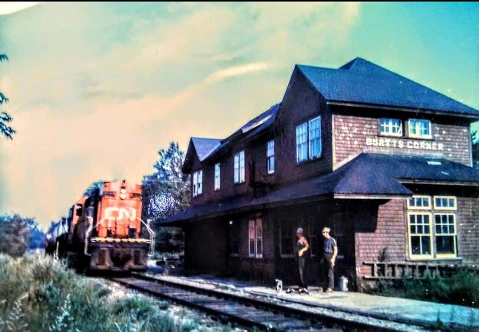 Burtts Corner Railroad Station 02