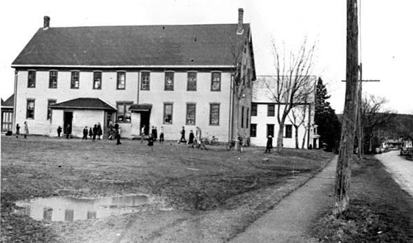 Elementary School Nashwaaksis ca. 1940.