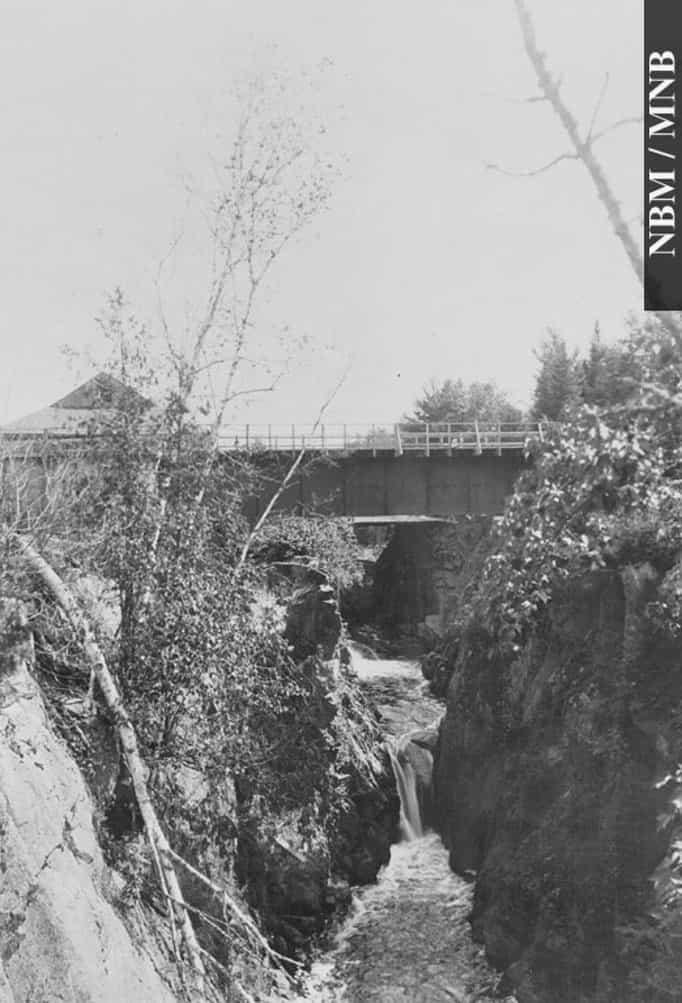 Pokiok Falls-1987-17-969
