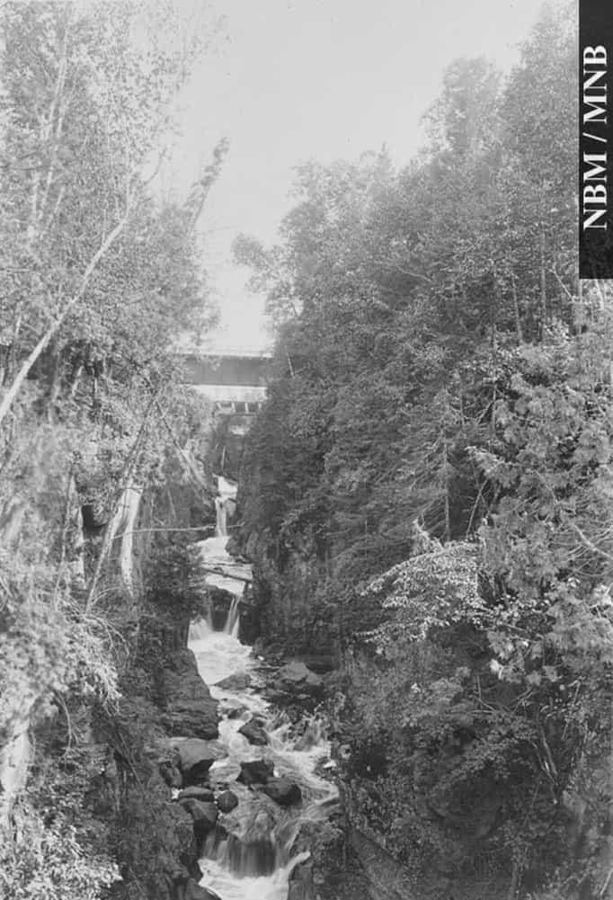 Pokiok-Middle-Falls-1987-17-970