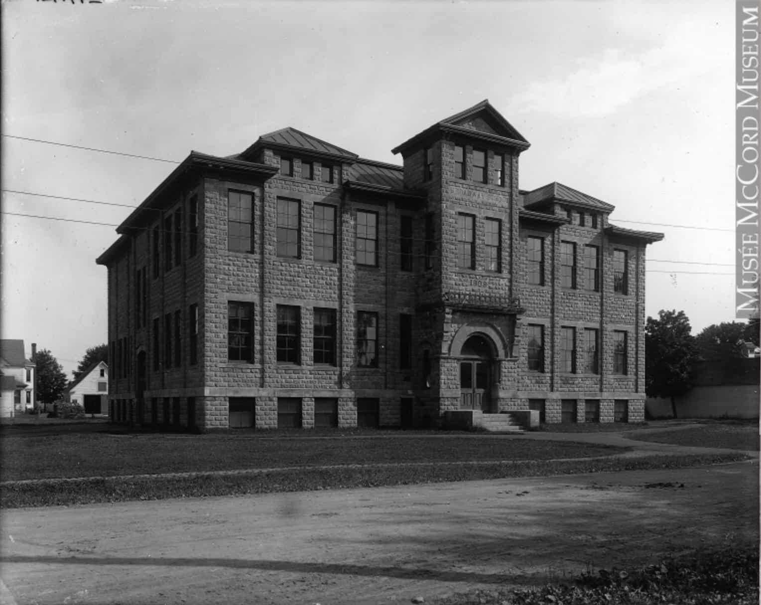 broadway-school-woodstock-1908