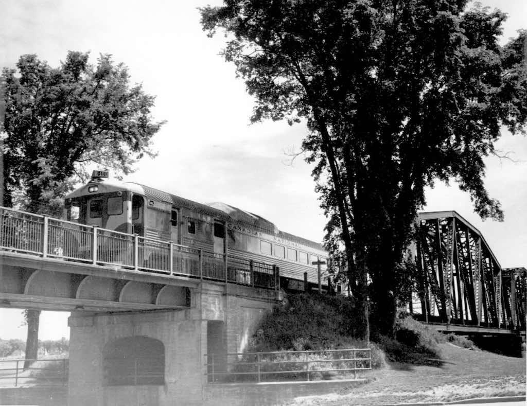 cnr train bridge fton