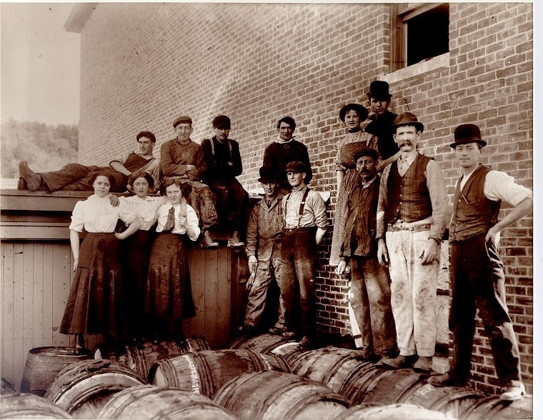 crosbys molasses employees-nov-1911