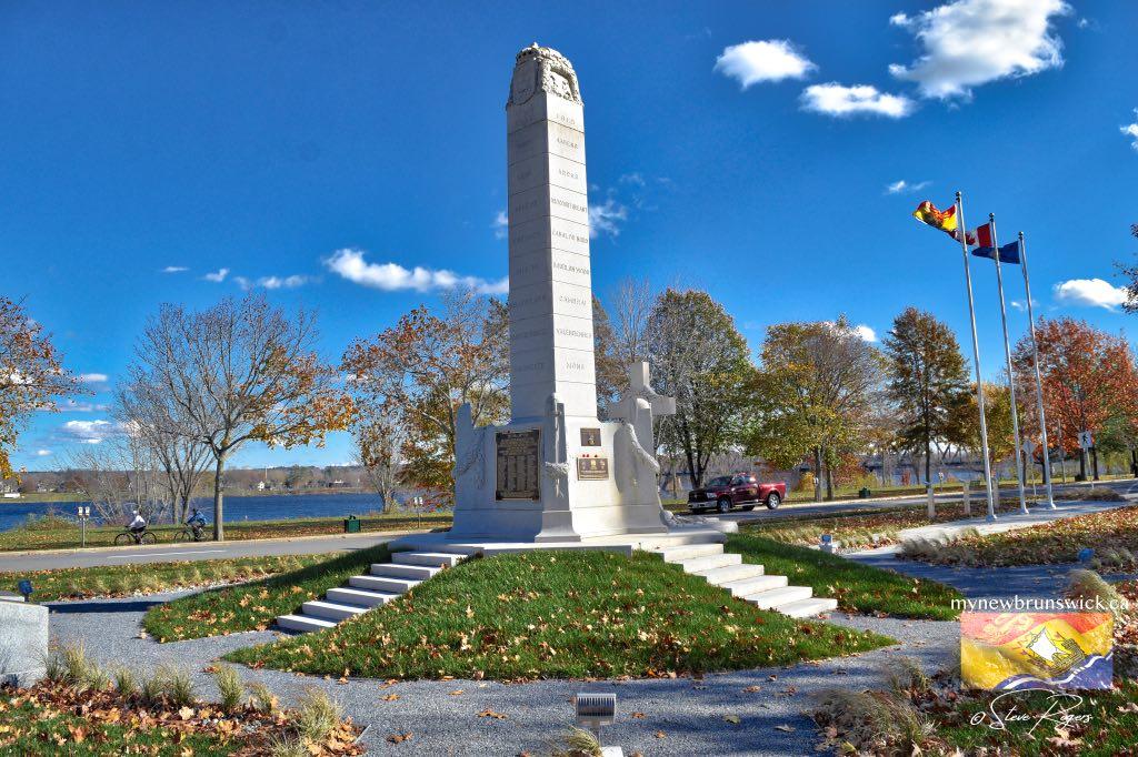 Fredericton Cenotaph ©SJR_5361