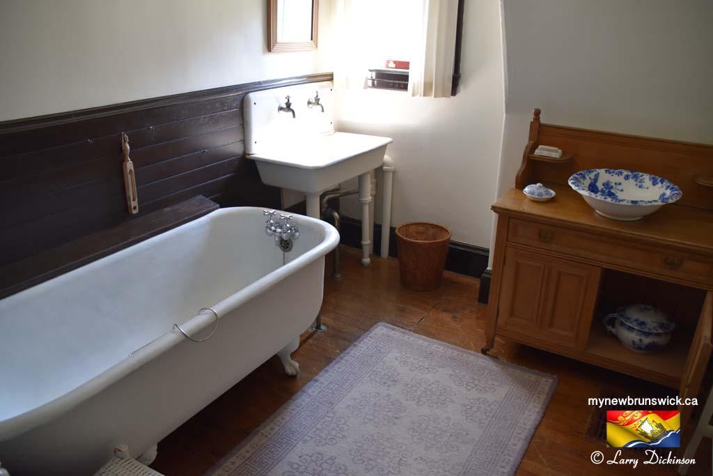 Bathroom Roosevelt Cottage Campobello©LDD_6455