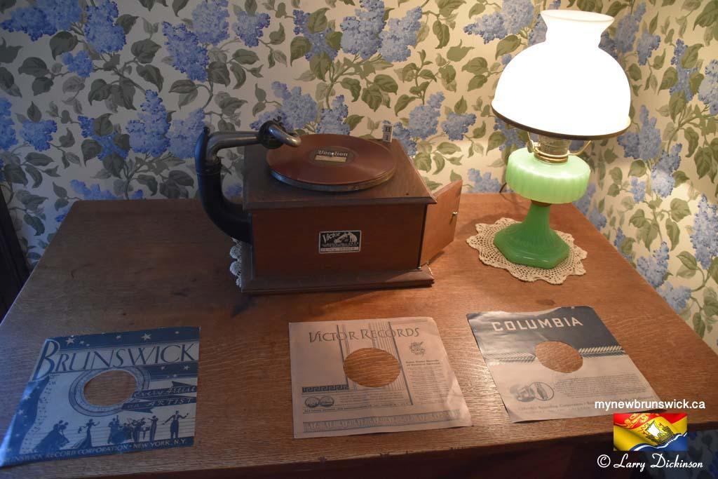 RCA Victor Grammaphone Roosevelt cottage©LDD_6483