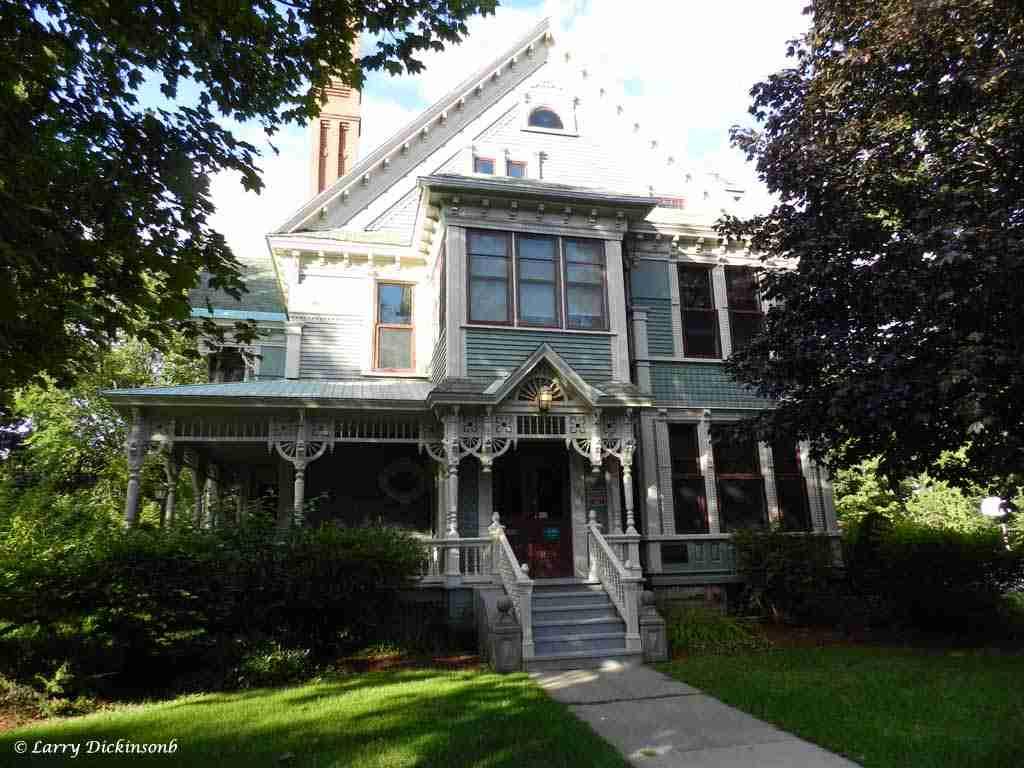 Maggie Jean Chestnut Residence