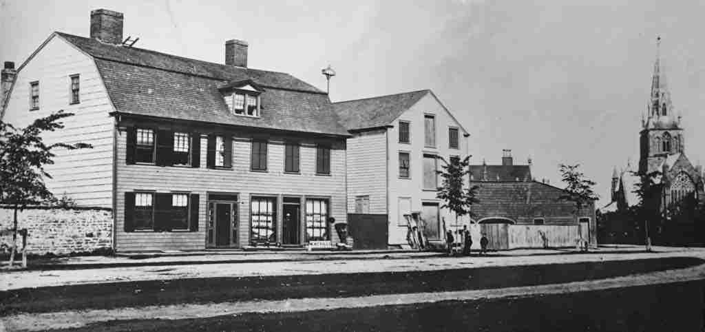 Mcleod's Inn