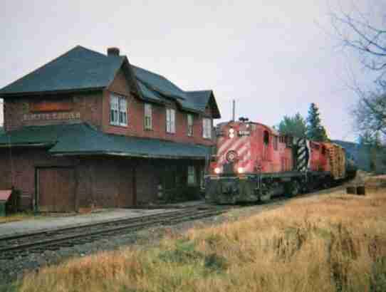 Burtts Corner Train Station