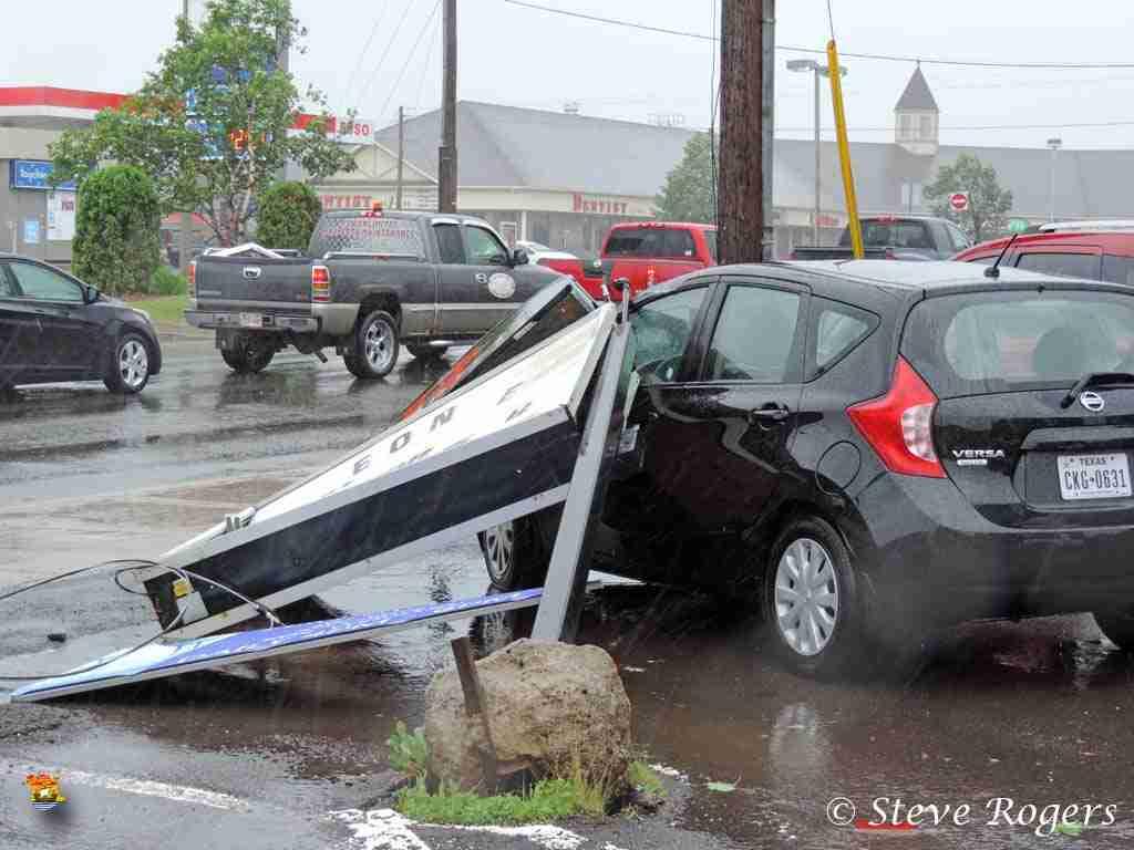 Damaged car at Ringos on Smythe Street