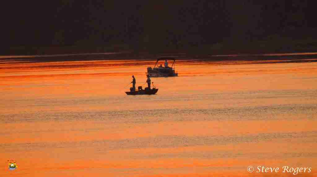 Delta sunset 02