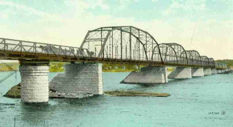 Carleton_St_Bridge