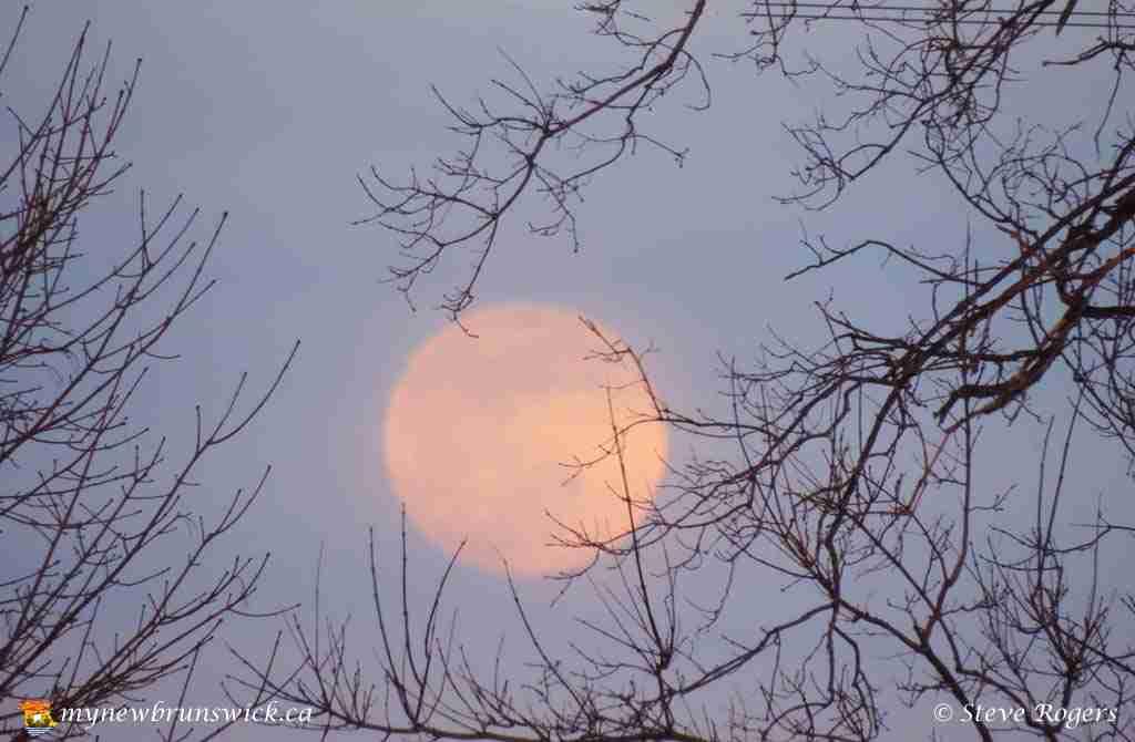 Moon April 07