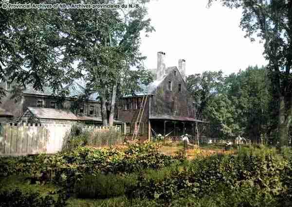 Jonathan Odell House garden