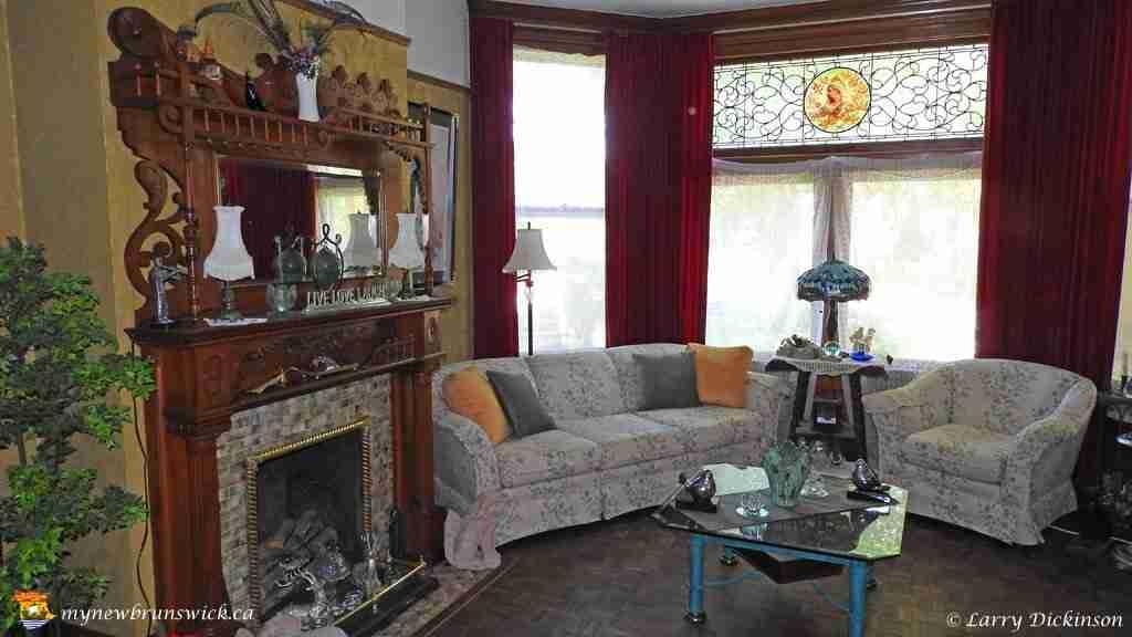 Victoria Manor Abner Reid McClelan Living Room
