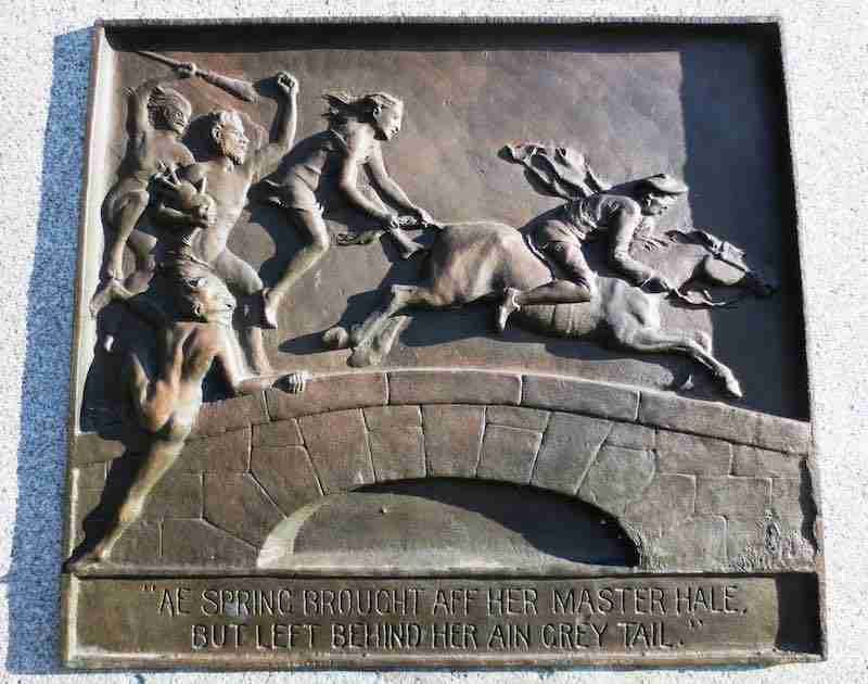This bronze plaque is on the side of the Burns statue. Photo by Harold A. Skaarup‎.