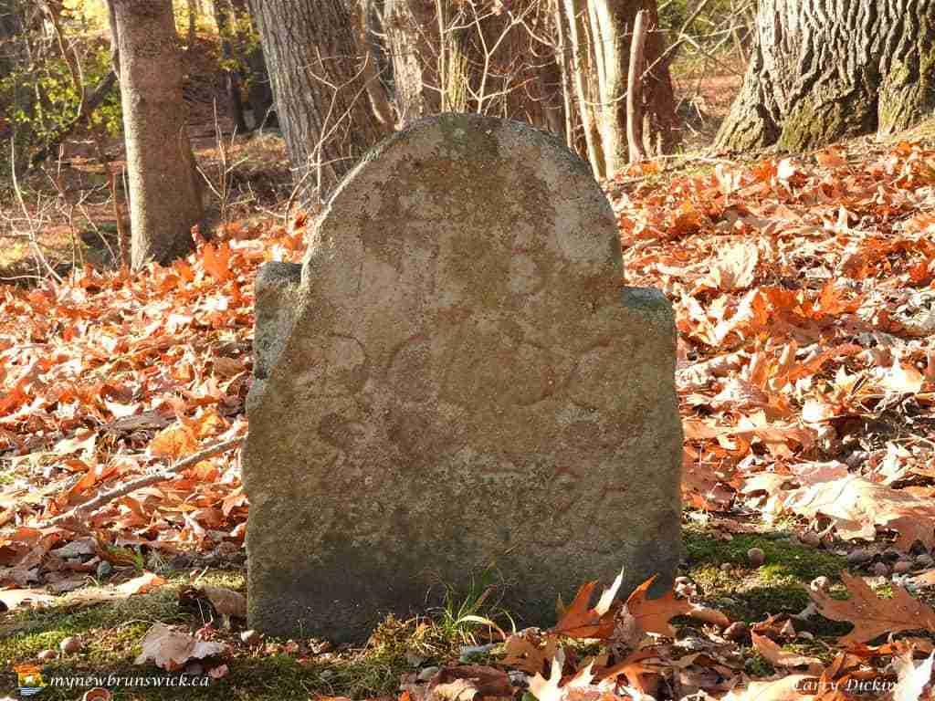 loyalist cemetery 002