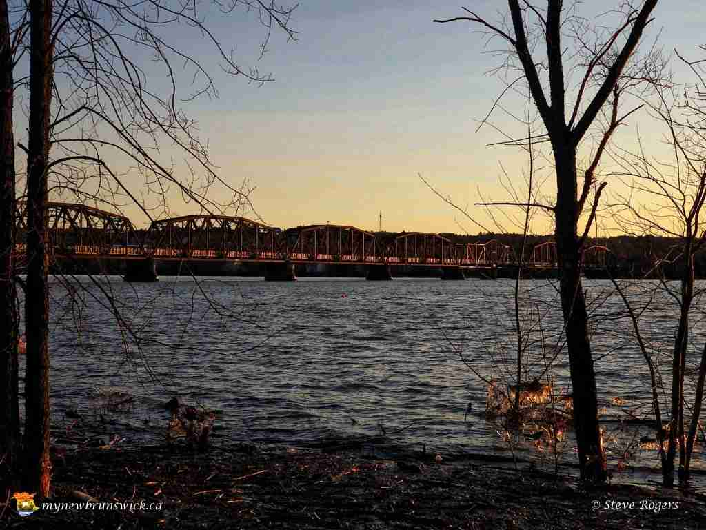 Spring 2016 Sunset Bill Thorpe Walking Bridge
