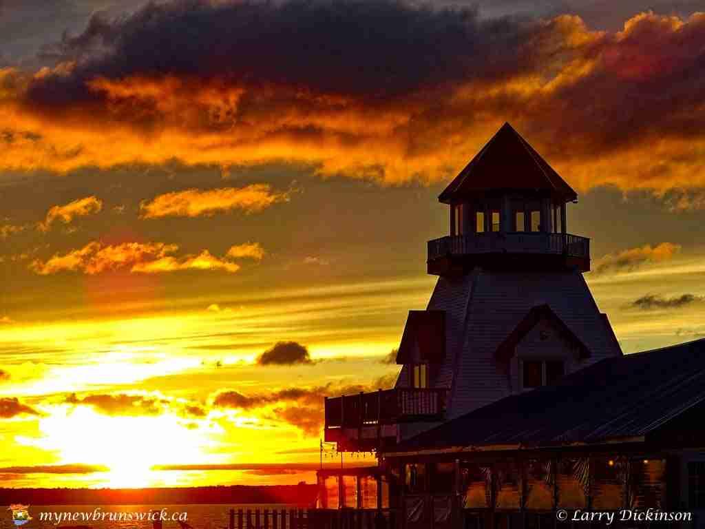 Sunset at Pointe-du-Chêne lighthouse