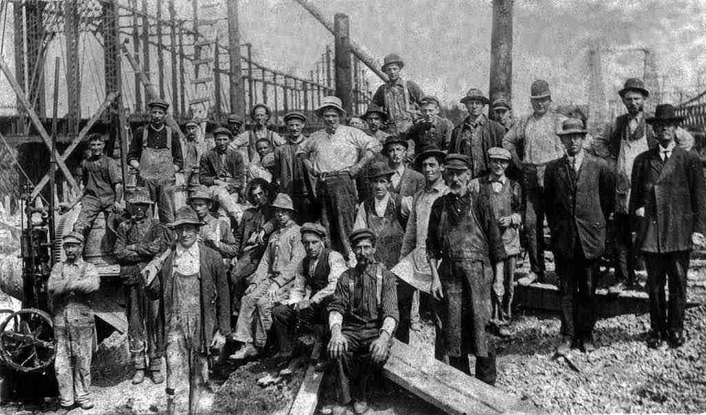 Crew building Reversing Falls Bridge Saint John 1915