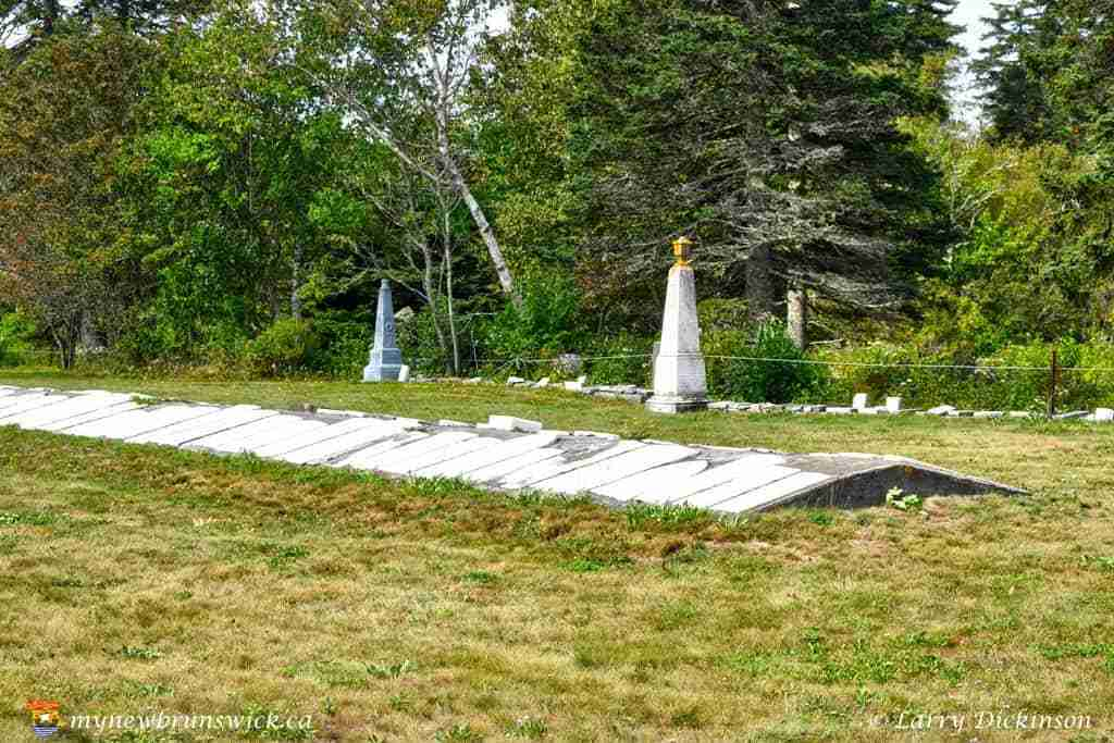 old_pioneer_cemetery_grand_harbour