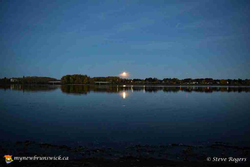 Hunter's Moon rising in Fredericton