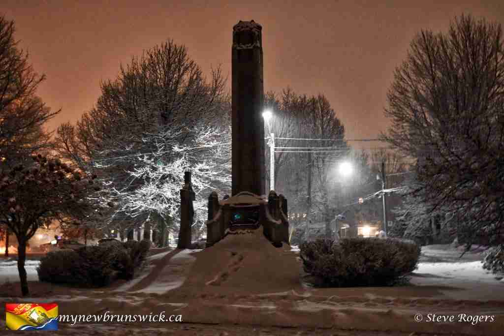 Night photo of the Fredericton Cenotaph, December 2016