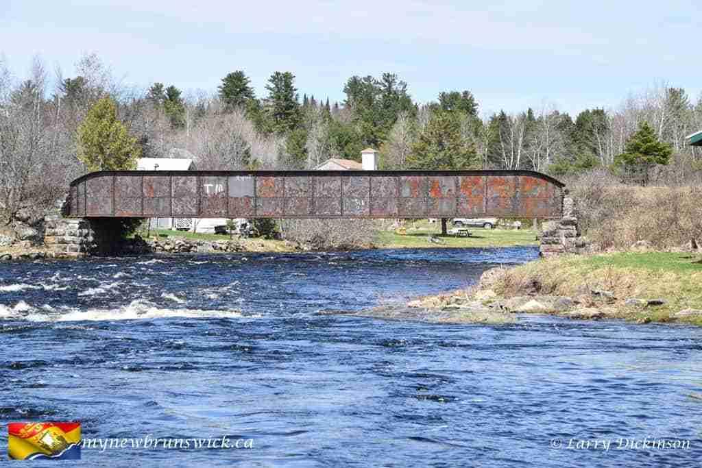 Train bridge over Eel River Benton
