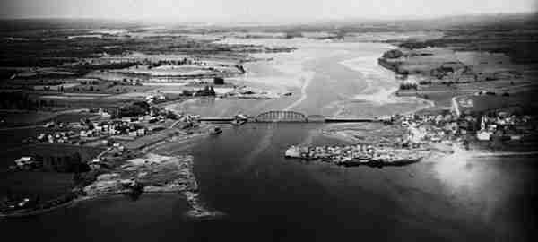 Aerial view of bridge over the Richibucto River, August 1931