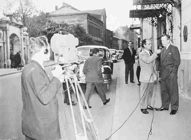 Lévesque interviews Lester B. Pearson in Moscow for Radio-Canada in 1955