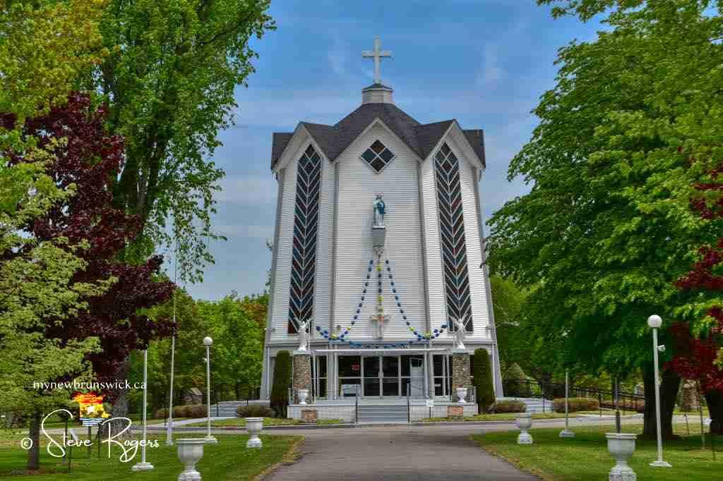 Le Monument Notre Dame de l'Assomption Rogersville