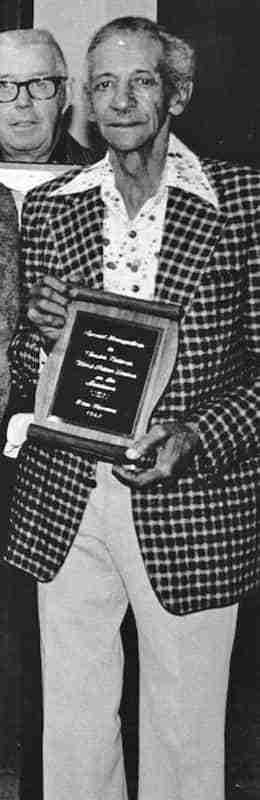 Chester Eatmon received award